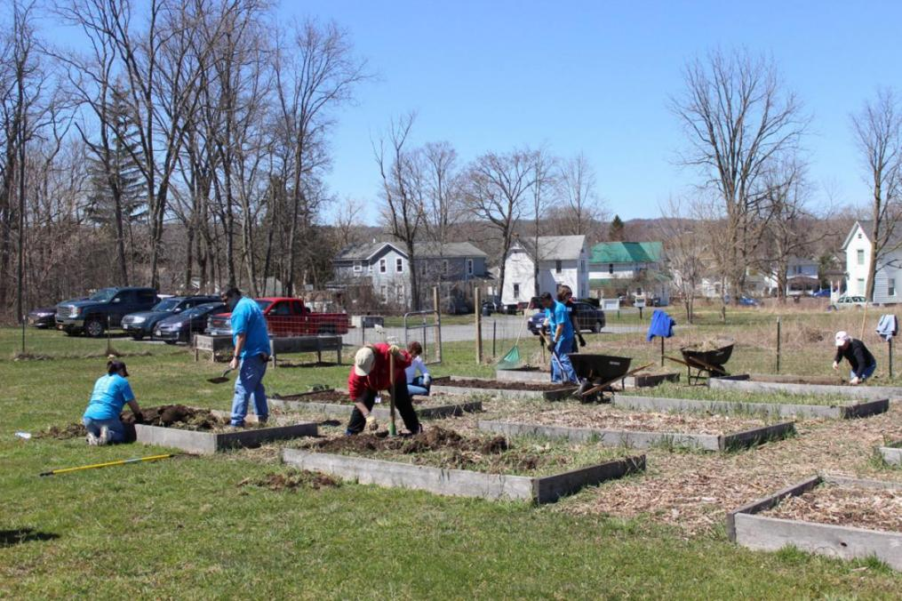 Scores of Keuka College students, staff, faculty, alumni, and friends fanned out across Yates County for an afternoon of giving back during Celebrate Service ... Celebrate Yates on Sunday, April 22.