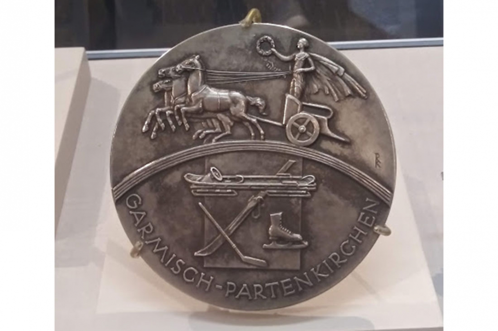 An Olympic medal from the 1980 Olympics, held in Lake Placid, is on display at the Lake Placid Olympic Museum. (photo by Olivia Ennist '20)